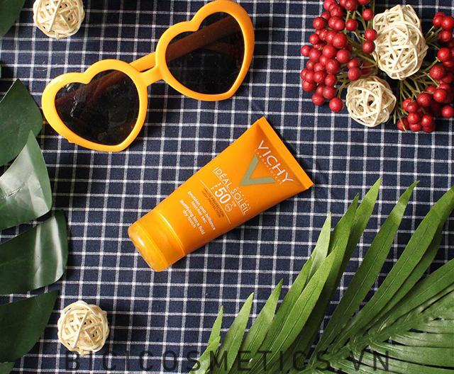 Tổng hợp 5 loại kem chống nắng được các Beauty Blogger review nhiệt tình